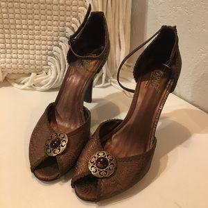 Carlos Santana shoes heels pee toe heels